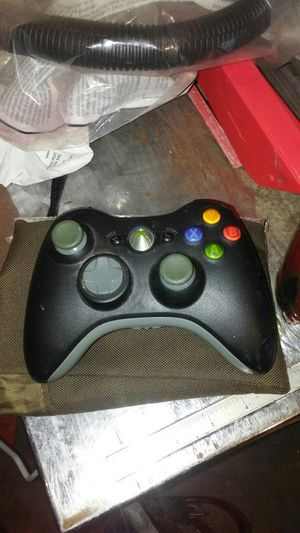 Xbox 360 rechargeable controller for Sale in Prineville, OR