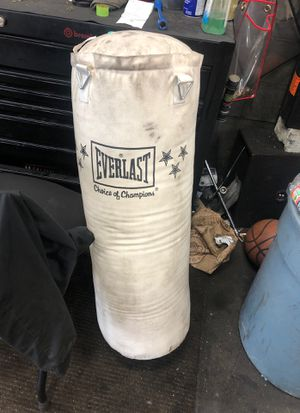 Everlast punching bad. 70 lbs for Sale in Laurel, MD
