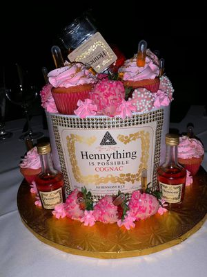 Cake decoration for Sale in Dallas, TX