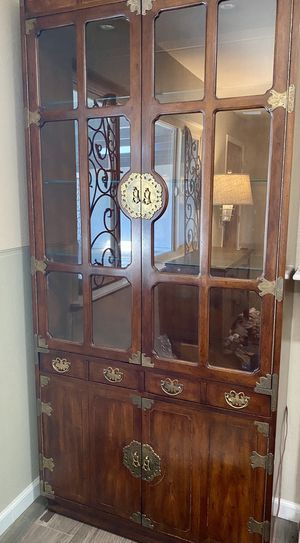 Gorgeous antique curio cabinet for Sale in Poway, CA