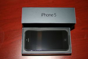 Apple Iphone 5 16gb Unlocked for Sale in Queens, NY