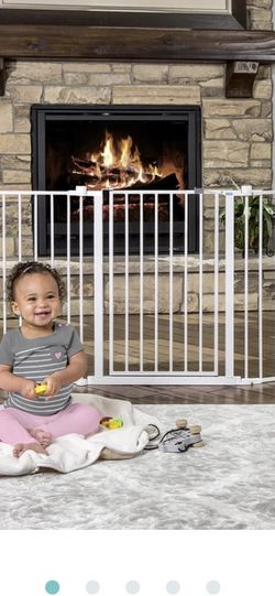 Regalo 4in1 Extra Large Metal Play Yard / Safety Gate for Baby/Babies or Pet/Pets for Sale in Portland,  OR