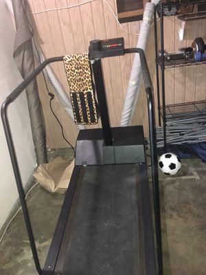 Precor 905e treadmill for Sale in Vallejo, CA