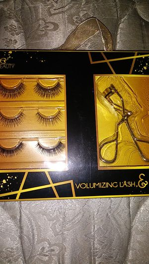 Eye Lash and Eye Curler Set for Sale in Cathedral City, CA