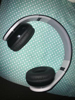 Bluetooth wireless headphones for Sale in Jacksonville, FL