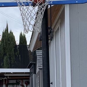 FREE FREE Basketball Hoop for Sale in Escondido, CA