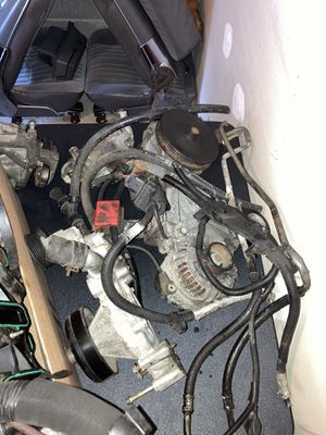 Some parts off a 6.0 LS truck motor for Sale in Crestwood, IL