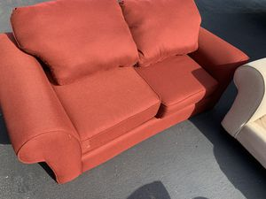American Signature Loveseat for Sale in Columbia, TN