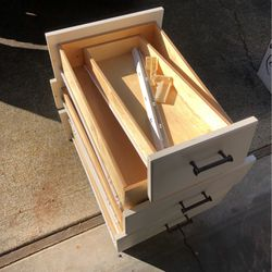 6 Drawers, Guides, 13 Cabinet Doors, Hinges for Sale in Fife,  WA