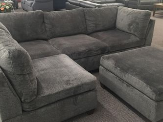 4pc Sofa Chaise Sectional Grey for Sale in Tempe,  AZ
