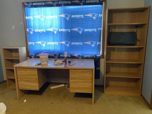 FREE...... 3 peace office set. for Sale in Leesburg, FL