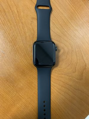 Apple watch 4 series celluar+gps for Sale in Washington, DC