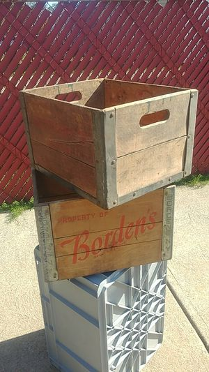 Vintage Milk Crates for Sale in Brooklyn, OH