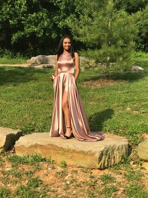 Prom Dress for Sale in Glasgow, KY