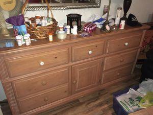 Dresser for Sale in Bradley, FL