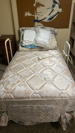 Adjustable hospital bed . for Sale in East Amherst, NY