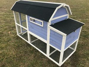 New in box chicken coop retail $600 for Sale in Pickerington, OH