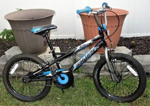 Schwinn .. Amplify .. 18 Inch Kids Bike .. very good pre-owned condition. Bristol Boro, Pa. 19007 The Schwinn Amplify bicycle features child-friendl for Sale in Burlington, NJ