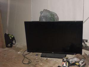 """32"""" inch lg tv for Sale in San Bernardino, CA"""