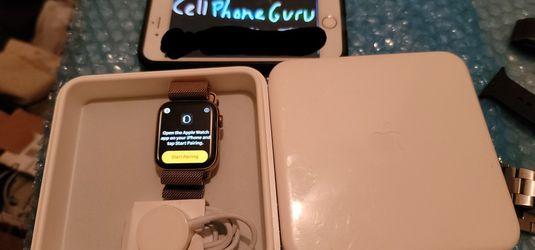 Apple Watch Series 4 Milanese 44mm CELLULAR LTE + GPS Bluetooth for Sale in Phoenix,  AZ