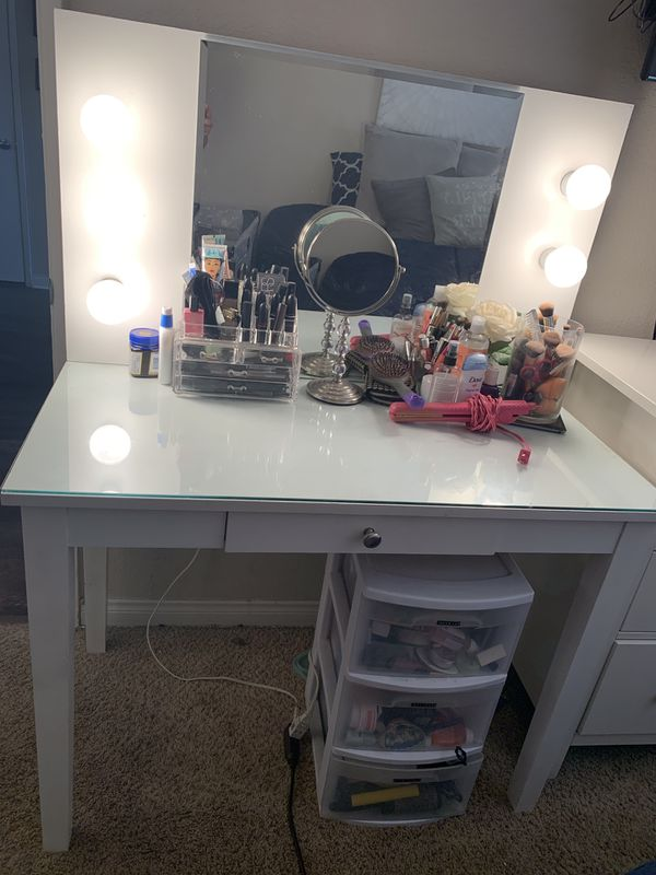 Glass Top, Hollywood Lights Vanity, Gloss White