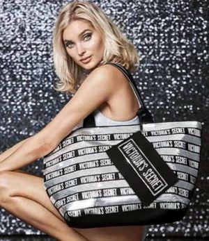 Victoria's secret tote & Makeup bag for Sale in Reedley, CA