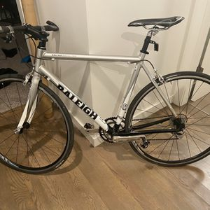 Like new Raleigh Grand Prix 54cm road bike for Sale in Seattle, WA