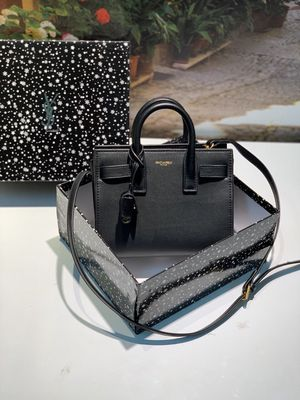 Fashion crossbody purse/ bag for Sale in San Jose, CA