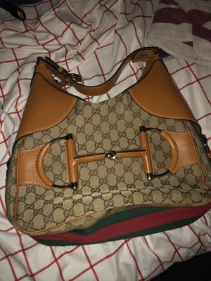 Authentic GUCCI handbag for Sale in Saint Charles, MD