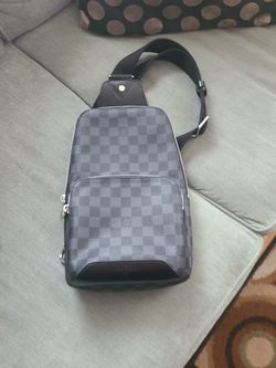 Louis VuittonAvenue Sling Bag Damier Graphite for Sale in Lawrence,  MA