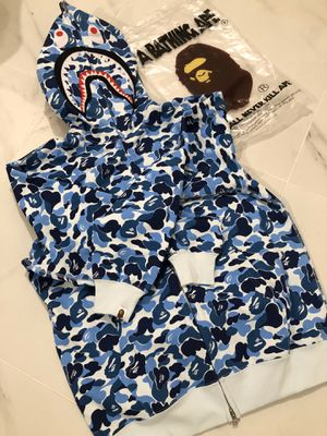Blue camo bape shark hoodie size M for Sale in Queens, NY