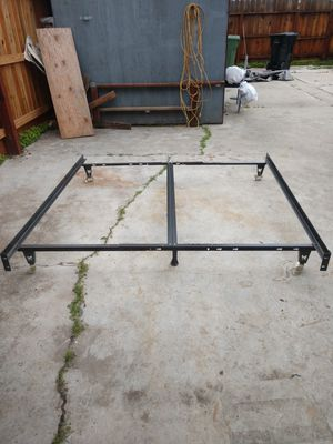 Universal California king metal bed frame x condition! for Sale in Modesto, CA