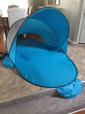 Wind tent, like new for Sale in Chesapeake, VA