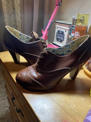 American Eagle Vintage Heels for Sale in Huntsville, TX