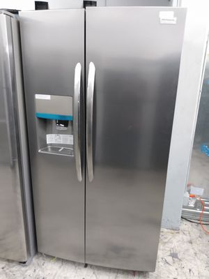Frigidaire gallery stainless steel side by side refrigerator for Sale in Los Angeles, CA