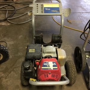 Honda pressure washer for Sale in Columbia Station, OH
