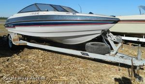1988 vip fishing boat runs great located at apache lake for Sale in Gilbert, AZ