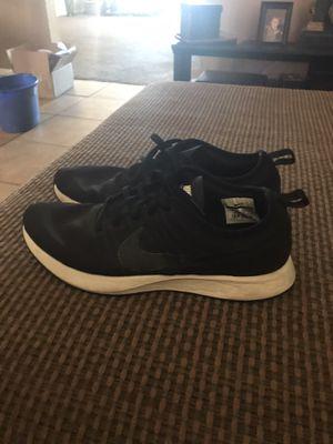 Black Nikes size 9 men's for Sale in Glendale, AZ