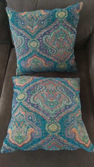 World market sofa pillows for Sale in Albany, CA