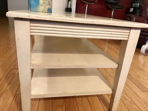 Ethan Allen Solid Wood Coffee Table for Sale in Chicago, IL