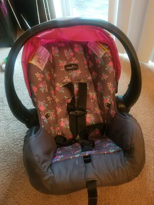 Evenflo infant car seat for Sale in Des Moines, IA