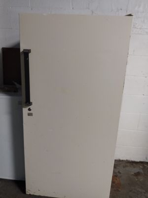 Kenmore Upright Deep Freezer for Sale in Columbus, OH