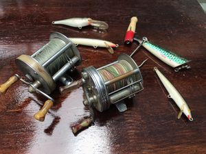 Vintage Fishing Lures & Reels 1958 Shakespeare Triumph & South Bend No. 400 model c anti- backlash for Sale in Oakland, CA