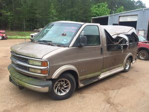 FOR PARTS 99 Chevy Express Van 1500 ( Good 5.7L engine) for Sale in Jacksonville, TX