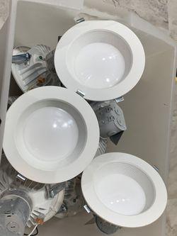 6 inches recessed light for Sale in Manassas,  VA