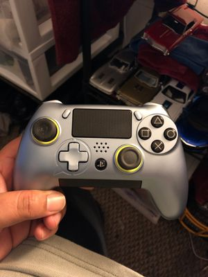 SCUF Vantage PS4 Controller (silver) for Sale in Silver Spring, MD
