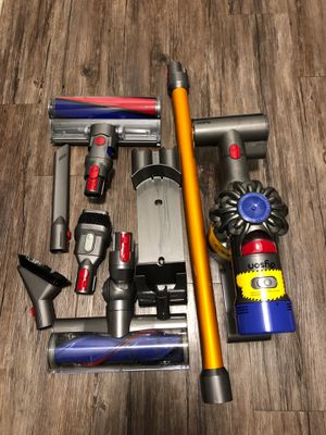 Dyson V8 Absolute Cordless Vacuum for Sale in Los Angeles, CA
