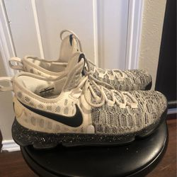 Kevin Durant Sneakers for Sale in Dallas,  TX