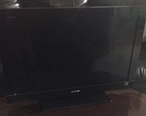 Tv Sony baravia LCD for Sale in Orlando, FL