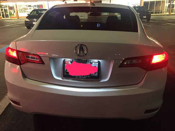 Acura ilx 2013 ( first to bring 5000$ cash takes it)